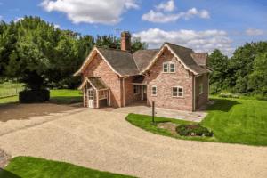 Stanks Lodge, Upton-Upon-Severn, Worcestershire WR8 0QX